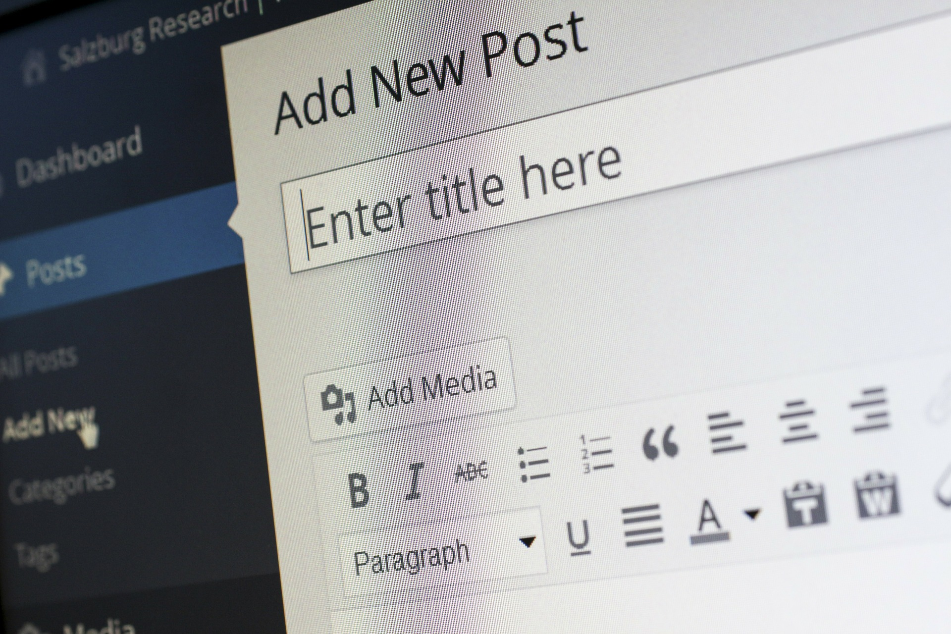 creación de contenidos especializados escritos y visuales